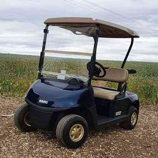 Second-hand golf buggies for sale
